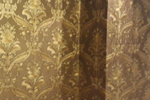 decorative-wallpaper-in-brown-colour